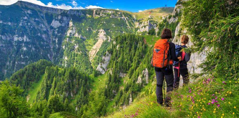 Topul traseelor montane spectaculoase din România