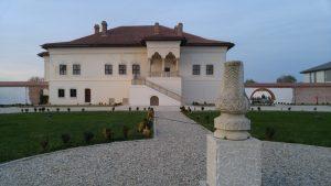 casa in stilul brancovenesc
