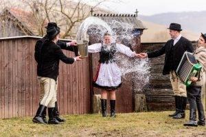 obiceiuri de paste in transilvania