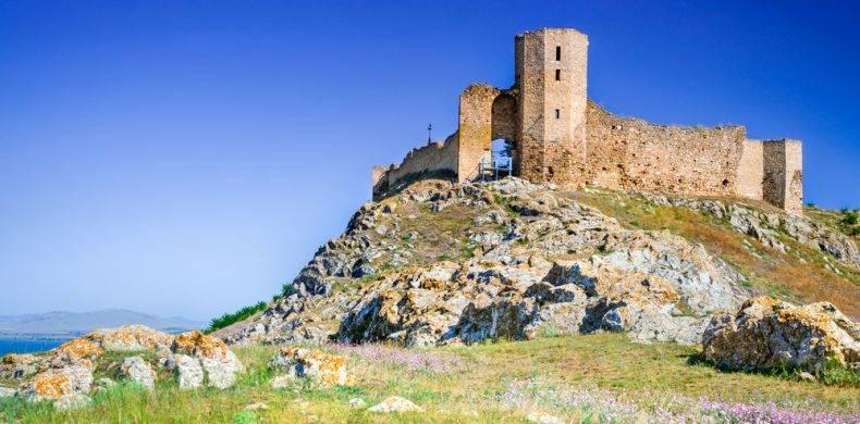 Cetatea Enisala – motivul pentru care merită sa ajungi măcar o dată în Dobrogea